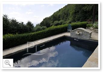 Piscineitalia piscina interrata for Piscina fondo nero