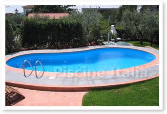 Piscina interrata in vetroresina riviera piscine italia - Piscina vetroresina interrata ...