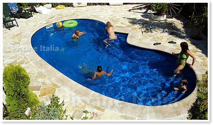 Piscina interrata in vetroresina topacio piscine italia - Piscine in vetroresina ...