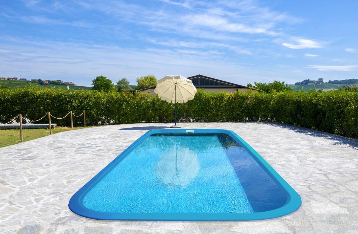 Piscina interrata in vetroresina manta piscine italia - Piscina vetroresina interrata ...