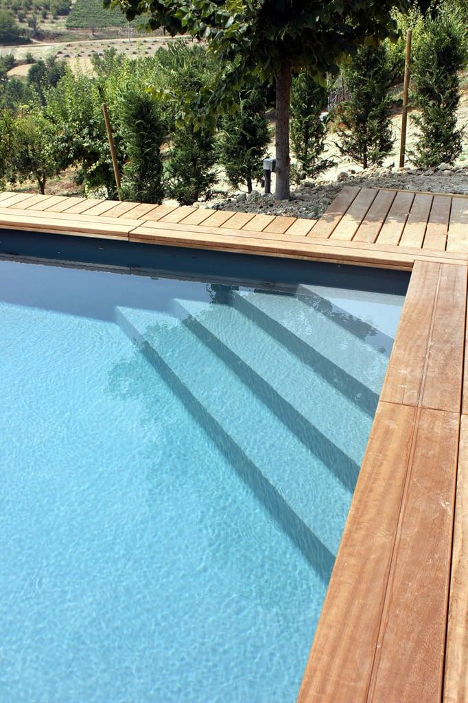 Scala ad angolo sotto liner per piscina interrata piscine italia - Liner per piscine ...