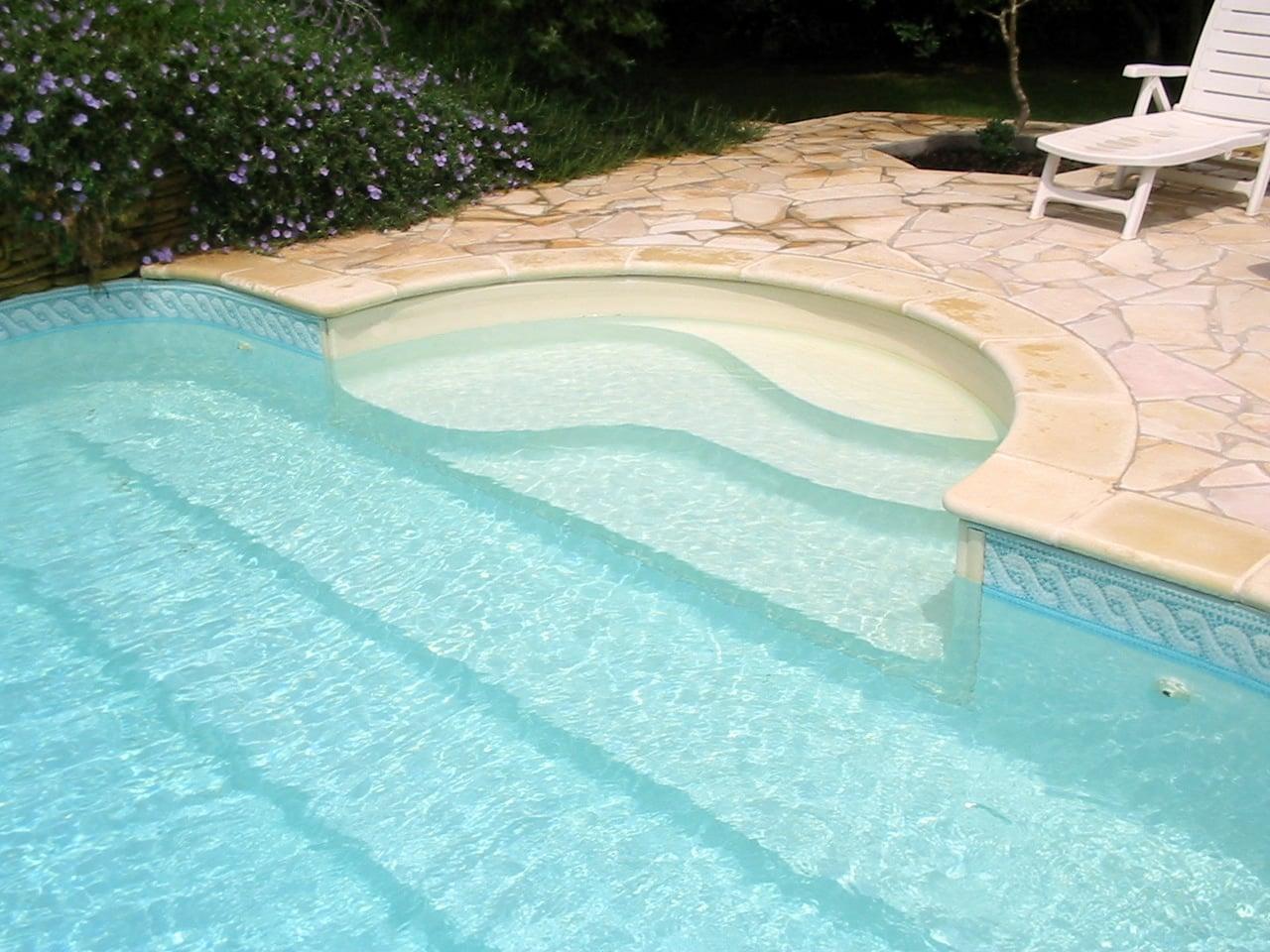 Piscina interrata in vetroresina costruire piscina - Quanto costa costruire una piscina interrata fai da te ...
