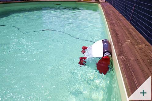 Robot pulitore piscina Falcon K200: pulizia del fondo