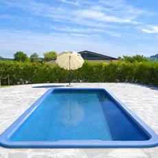 Docce per piscina piscine italia - Piscina interrata in vetroresina ...