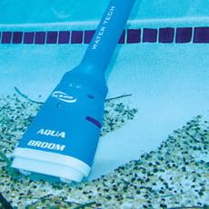 Pulitore elettrico per vasche idromassaggio e piccole piscine AQUABROOM